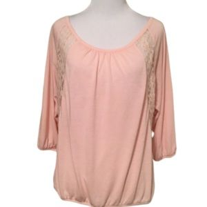 American Eagle Pink Top With Lace & 3/4 Sleevs SP